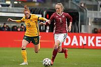 Lea Schüller (Deutschland, Germany) gegen Beatrice Goad (Australien, Australia) - 10.04.2021 Wiesbaden: Deutschland vs. Australien, BRITA Arena, Frauen, Freundschaftsspiel