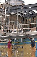 The new international jetty construction site at Montréal-<br /> Pierre Elliott Trudeau International Airport (YUL) in February 2004.<br /> <br /> Contruction de la nouvelle jetée de l'aéroport Pierre E Trudeau (YUL) Février 2004<br /> photo : (c) images Distribution