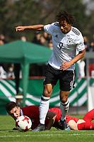 Etienne Amenyido (Deutschland, Borussia Dortmund) setzt sich durch - 25.03.2017: U19 Deutschland vs. Serbien, Sportpark Kelsterbach