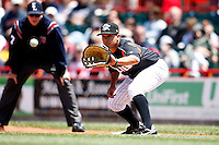 May 31, 2009:  First Baseman Max Leon of the Erie Seawolves in the field during a game at Jerry Uht Park in Erie, NY.  The Seawolves are the Eastern League Double-A affiliate of the Detroit Tigers.  Photo by:  Mike Janes/Four Seam Images