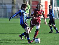 Dames Zulte Waregem - Club Brugge : Ingrid De Rycke voor Eva Van Daele.foto Joke Vuylsteke / Vrouwenteam.be