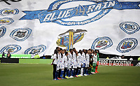 BOGOTÁ - COLOMBIA, 09–03-2019: Los jugadores de Millonarios y Atlético Nacional, antes de partido de la fecha 9 entre Millonarios y Atlético Nacional por la Liga Águila I 2019, jugado en el estadio Nemesio Camacho El Campín de la ciudad de Bogotá. / The players of Millonarios and Atletico Nacional, prior a match of the 9th date between Millonarios and Atletico Nacional, for the Aguila Leguaje I 2019 played at the Nemesio Camacho El Campin Stadium in Bogota city, Photo: VizzorImage / Luis Ramírez / Staff.