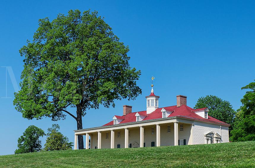 Washington estate mansion at Mt Vernon, Virginia, USA