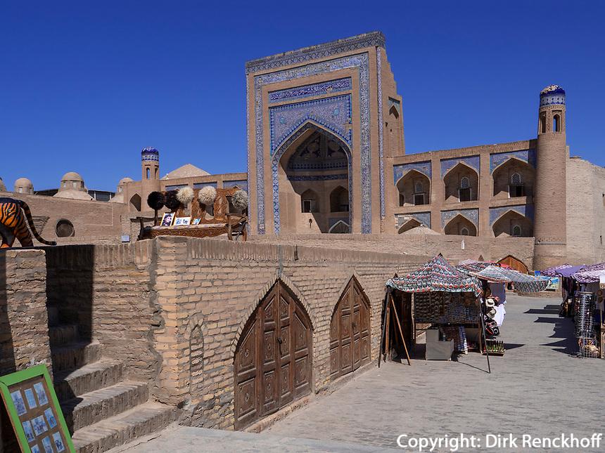 Medrese in Xiva, Usbekistan, Asien, UNESCO-Weltkulturerbe<br /> Madrasa, historic city Ichan Qala, Chiwa, Uzbekistan, Asia, UNESCO heritage site