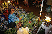 Asie/Malaisie/Bornéo/Sabah/Kota Kinabalu: Le marché central la nuit