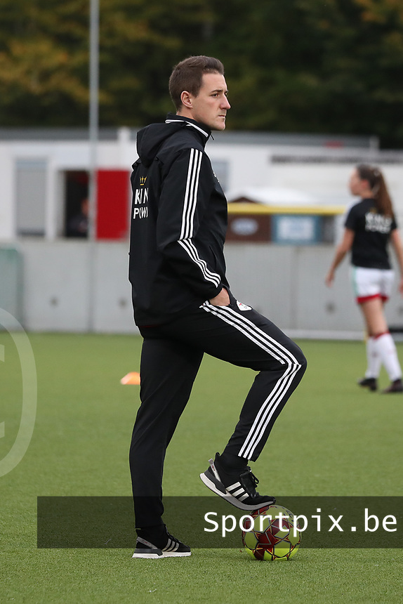 Jimmy Coenraets head coach of OHL pictured before a female soccer game between Oud Heverlee Leuven and Femina White Star Woluwe  on the 5 th matchday of the 2020 - 2021 season of Belgian Womens Super League , Sunday 18 th of October 2020  in Heverlee , Belgium . PHOTO SPORTPIX.BE | SPP | SEVIL OKTEM