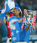 Lorenzo Amoruso with the CIS Cup 2002