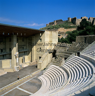 Spain, Province Valencia, Sagunto: The Roman Theatre, built in 1st century AD, and the Castle | Spanien, Provinz Valencia, Sagunto: das roemische Theater und die Zitadelle