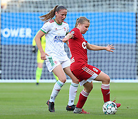 Lenie Onzia (8) of OHL and Aster Janssens (5) of Standard  in action during a female soccer game between Oud Heverlee Leuven and Standard Femina de Liege on the third matchday of the 2021 - 2022 season of Belgian Womens Super League , Sunday 5 th of September 2021  in Leuven , Belgium . PHOTO SPORTPIX.BE | SEVIL OKTEM