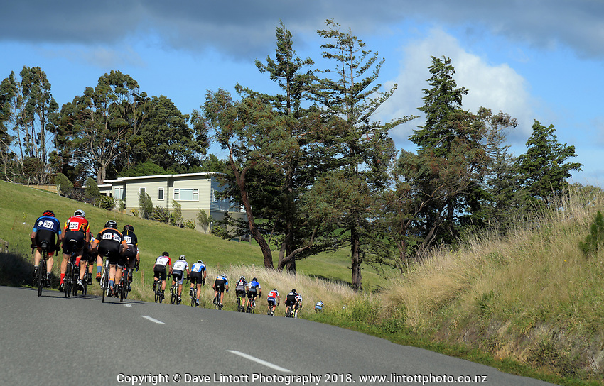 Martinborough circuit race on day two of the 2018 NZ Age Group Road Cycling Championships in Carterton, New Zealand on Saturday, 21 April 2018. Photo: Dave Lintott / lintottphoto.co.nz