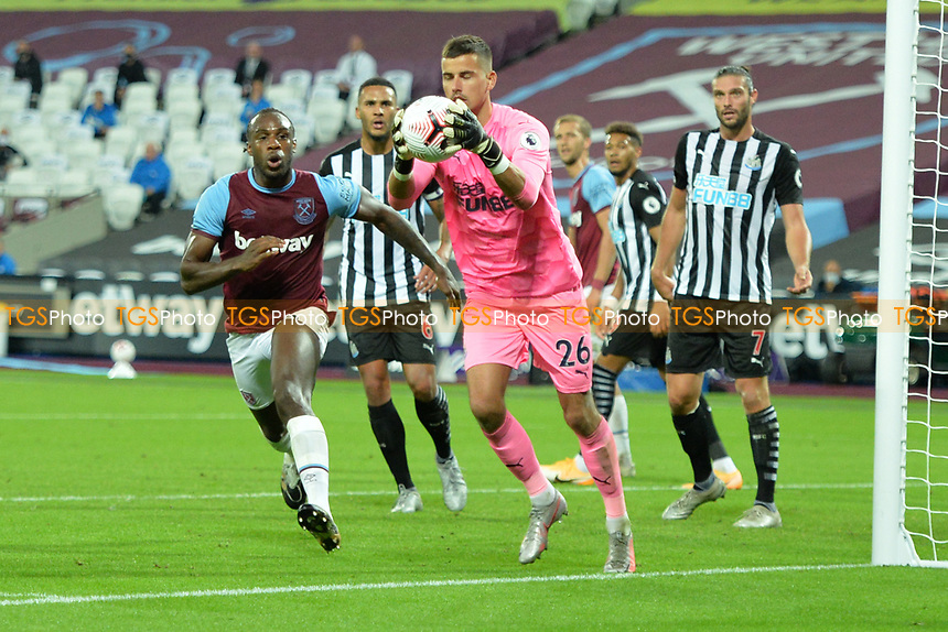 Karl Darlow of Newcastle United gathers the ball during West Ham United vs Newcastle United, Premier League Football at The London Stadium on 12th September 2020