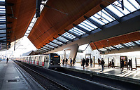 Nederland  Amsterdam -  2020.   Station Bijlmer Arena.   Foto : ANP/ HH / Berlinda van Dam