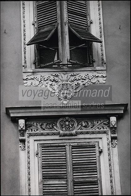 Europe/France/Provence-Alpes-Cote d'Azur/06/Alpes-Maritimes/Nice:Détail des façades baroques  sur le vieux port
