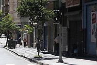 Campinas (SP), 25/03/2021 - Covid-SP - Rua Conceição. Movimentação na região central de Campinas, no interior de São Paulo, nesta quinta-feira (25). A cidade vai ampliar as medidas restritivas na quarentena a partir desta sexta-feira (26). Com as novas regras, será permitido o acesso de apenas uma pessoa por família em serviços essenciais, como supermercados e padarias, e o drive-thru será exclusivo para alimentação - comércio em geral poderá atender somente por delivery.