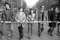 - demonstration of the leftist groups for the right to the home (Milan, january 1977)<br /> <br /> <br /> <br /> - manifestazione dei gruppi di sinistra per il diritto alla casa (Milano, gennaio 1977)