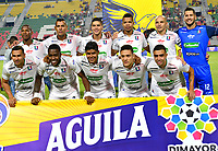IBAGUÉ- COLOMBIA,17-08-2019:Formación del Once Caldas nte el Deportes Tolima.Acción de juego entre los equipos  del Deportes Tolima y el Once Caldas durante  partido por la fecha 6 de la Liga Águila II 2019 jugado en el estadio Manuel Murillo Toro de la ciudad de Ibagué. /Team of Once Caldas  agaisnt of Deportes Tolima.Action game between teams  Deportes Tolima and Once Caldas during the 6 match for  the Liga Aguila I I 2019 played at the Manuel Murillo Toro stadium in Ibague city. Photo: VizzorImage / Juan Carlos Escobar  / Contribuidor