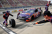 Monster Energy NASCAR Cup Series<br /> Pure Michigan 400<br /> Michigan International Speedway, Brooklyn, MI USA<br /> Sunday 13 August 2017<br /> Denny Hamlin, Joe Gibbs Racing, FedEx Office Toyota Camry pit stop<br /> World Copyright: Matthew T. Thacker<br /> LAT Images
