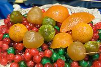 Verkauf von kandierten Früchten in Foligno, Umbrien, Italien