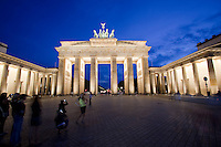 Berlin's most famous landmark, the Brandenburger Tor (Brandenburg Gate).