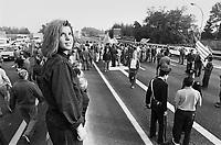 - workers of Alfa Romeo plant of Arese (Milan) block the freeway for protest against the fiscal law of the Amato government (October 1992) ....- gli operai dello stabilimento Alfa Romeo di Arese (Milano) bloccano l'autostrada per protesta contro la legge fiscale del governo Amato (ottobre 1992)
