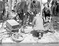 La Vie a Londres pendant la guerre.  Voici un homme blesse' par la chute d'un V-l.  Life in London during the war.  Here is a man who was injured by the fall of a V-1, Ca.  1940.   New Times Paris Bureau Collection.  (USIA)<br /> Exact Date Shot Unknown<br /> NARA FILE #:  306-NT-3176V<br /> WAR & CONFLICT BOOK #:  1008
