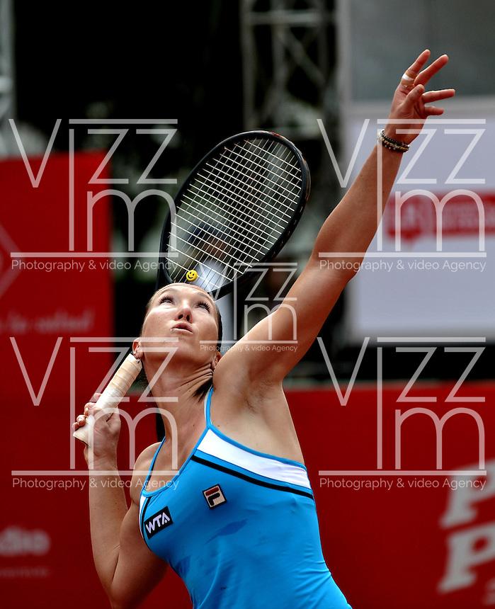 BOGOTA - COLOMBIA - FEBRERO 21-02-2013: Jelena Jankovic de Serbia, en acción durante partido por la Copa de Tenis WTA Bogotá, febrero 21de 2013. (Foto: VizzorImage / Luis Ramírez / Staff).  Jelena Jankovic from Serbia in action during a match for the WTA Bogota Tennis Cup, on February 21, 2013, in Bogota, Colombia. (Photo: VizzorImage / Luis Ramirez / Staff) ..............