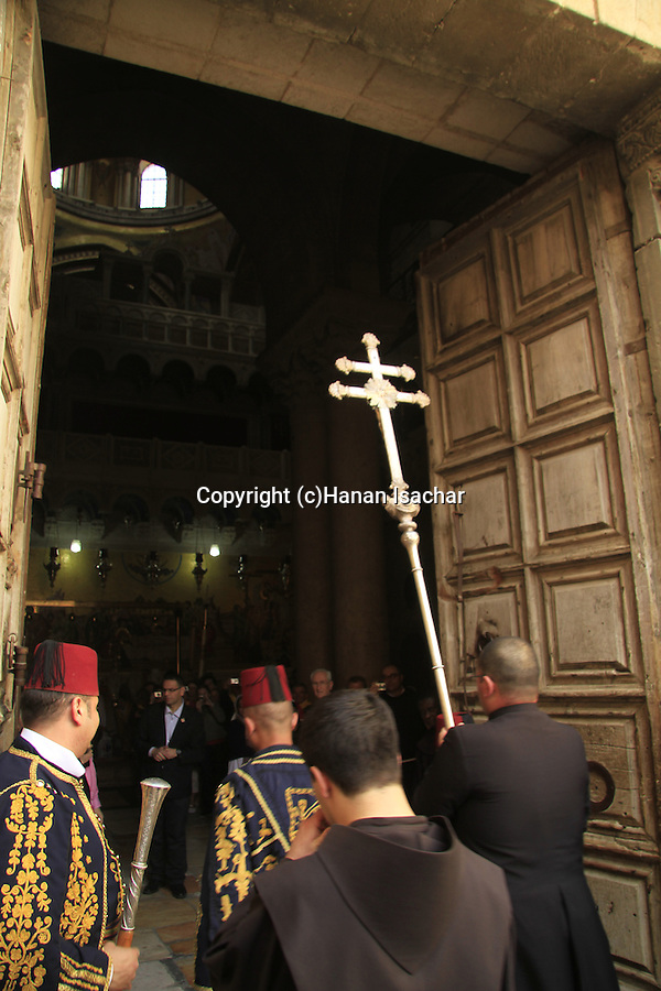 Israel, Jerusalem, the Franciscan procession at the Church of the Holy Sepulchre on Holy Thursday