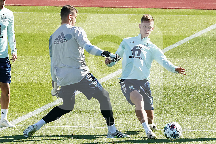 Spain's Unai Simon (l) and Dani Olmo during training session. October 6,2020.(ALTERPHOTOS/Acero)