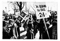 Manifestation contre le Bill 22 sur les langues officielles au Quebec,  avril 1976 <br /> (date exacte inconnue)<br /> <br /> PHOTO : Alain Renaud - Agence Quebec Presse<br /> <br /> Les images commandees seront recadrees lorsque requis