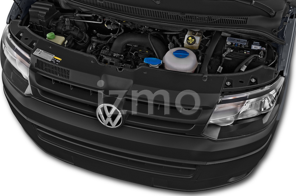 Car Stock 2015 Volkswagen Transporter 2.0 Tdi Bvm6 4 Door Cargo Van Engine high angle detail view
