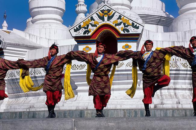 CHINA, BEIJING, CHINESE ETHNIC CULTURE PARK, TIBETAN DANCES