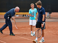 August 8, 2014, Netherlands, Rotterdam, TV Victoria, Tennis, National Junior Championships, NJK,  Line discussion with umpire<br /> Photo: Tennisimages/Henk Koster