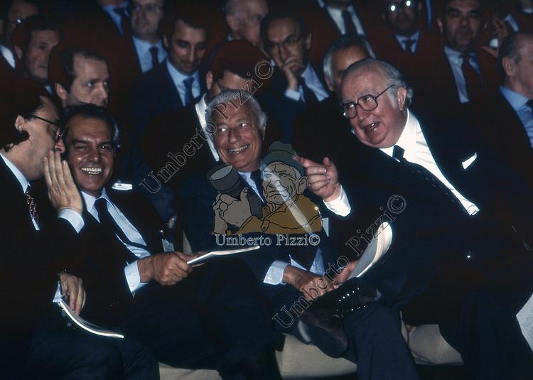 GIOVANNI SPADOLINI CON GIANNI AGNELLI,  RAOUL GARDINI E GIANNI DE MICHELIS<br /> ASSEMBLEA CONFINDUSTRIA EUR - ROMA 1989