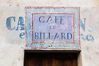 Italie, Val d'Aoste, Verrès : Enseigne vieux café // Italy, Aosta Valley, Verres: Teaches old coffee