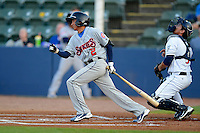Tennessee Smokies second baseman Ronald Torreyes #2 during a game against the Huntsville Stars on April 16, 2013 at Joe W Davis Municipal Stadium in Huntsville, Alabama.  Tennessee defeated Huntsville 4-3.  (Mike Janes/Four Seam Images)