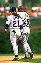 CHICAGO - CIRCA 1998:  Barry Bonds #25 of the San Francisco Giants walks with Sammy Sosa #21 of the Chicago Cubs between innings during an MLB game at Wrigley Field in Chicago, Illinois. Bonds played for 22 seasons with 2 different teams, was a 14-time All-Star and was a 7-time National League MVP. (David Durochik / SportPics) --Barry Bonds