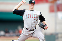 June 25, 2009:  Pitcher Scott Nestor (25) of the Altoona Curve delivers a pitch during a game at Jerry Uht Park in Erie, PA.  The Altoona Curve are the Eastern League Double-A affiliate of the Pittsburgh Pirates.  Photo by:  Mike Janes/Four Seam Images