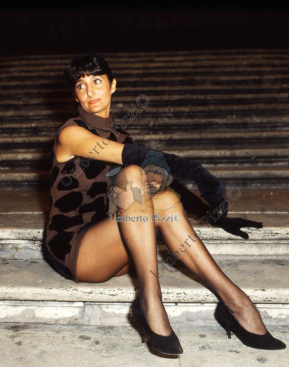 ANNA MARCHESINI<br /> SFILATA VALENTINO<br /> PIAZZA MIGNANELLI ROMA 1989