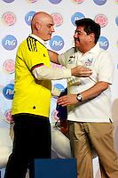 BARRANQUILLA, COLOMBIA - 20-03-2013: Juan Carlos Trujillo (Izq.) Gerente General de P&G de Colombia, Luis Bedoya (Der.) Presidente de la Federación Colombiana de Fútbol, durante presentación del nuevo socio de la Federación, en Barranquilla, marzo 20 de 2013. (Foto: VizzorImage / Luis Ramírez / Staff).  Juan Carlos Trujillo (3 L) General Manager of P & G of Colombia, Luis Bedoya (3Der.) President of the Colombian Football Federation, during presentation of the new partner of the Federation, in Barranquilla, March 20, 2013. (Photo: VizzorImage / Luis Ramirez / Staff)..