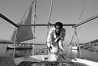 - Egitto, Luxor, navigazione sul Nilo, ottobre 1986<br /> <br /> - Egypt, Luxor, Nile navigation, October 1986