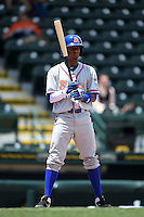 St. Lucie Mets second baseman Yeixon Ruiz (2) at bat during a game against the Bradenton Marauders on April 12, 2015 at McKechnie Field in Bradenton, Florida.  Bradenton defeated St. Lucie 7-5.  (Mike Janes/Four Seam Images)