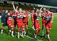 KV Kortrijk - KRC Genk : de Kortrijk spelers vieren de overwinning met de supporters <br /> Foto VDB / Bart Vandenbroucke