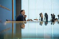 """Bundesgesundheitsminister Jens Spahn (CDU) stellte am Montag den 1. April 2019 mit den Bundestagsabgeordneten Georg Nuesslein (CDU/CSU), Prof. Karl Lauterbach (SPD) und Petra Sitte (Linkspartei) in Berlin den Gesetzentwurf """"Organspende - doppelte Widerspruchsloesung"""" vor.<br /> Im Bild: <br /> 1.4.2019, Berlin<br /> Copyright: Christian-Ditsch.de<br /> [Inhaltsveraendernde Manipulation des Fotos nur nach ausdruecklicher Genehmigung des Fotografen. Vereinbarungen ueber Abtretung von Persoenlichkeitsrechten/Model Release der abgebildeten Person/Personen liegen nicht vor. NO MODEL RELEASE! Nur fuer Redaktionelle Zwecke. Don't publish without copyright Christian-Ditsch.de, Veroeffentlichung nur mit Fotografennennung, sowie gegen Honorar, MwSt. und Beleg. Konto: I N G - D i B a, IBAN DE58500105175400192269, BIC INGDDEFFXXX, Kontakt: post@christian-ditsch.de<br /> Bei der Bearbeitung der Dateiinformationen darf die Urheberkennzeichnung in den EXIF- und  IPTC-Daten nicht entfernt werden, diese sind in digitalen Medien nach §95c UrhG rechtlich geschuetzt. Der Urhebervermerk wird gemaess §13 UrhG verlangt.]"""