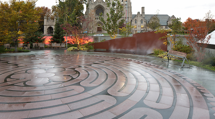 The Mary & Al Schneider Healing Garden at the Seidman Cancer Center | Landscape Architects: Visionscapes Landscape Architects