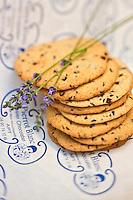 Europe/France/Provence-Alpes-Côte d'Azur/84/Vaucluse/Lubéron/Apt: Les cookies à la lavande de Frédéric Bianco, Pâtisserie: Au Pierrot Blanc