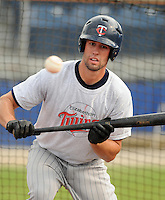 July 15, 2009: 2009 draft pick infielder Derek McCallum (7) of the Elizabethton Twins, 4th round draft pick of the Minnesota Twins, prior to a game against the Danville Braves at Dan Daniel Memorial Park in Danville, Va. Photo by:  Tom Priddy/Four Seam Images
