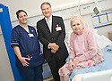 02/08/2010   Copyright  Pic : James Stewart.038_hospital_day_one  .::  NHS FORTH VALLEY ROYAL HOSPITAL, LARBERT :: TRUST CHAIRMAN IAN MULLEN MEETS ELIZABETH WILSON, ONE OF THE FIRST PATIENTS TO BE TRANSFERRED FROM FALKIRK ROYAL, AND WARD A32 CHARGE NURSE NICOLA KING :: DAY ONE OF THE NEW HOSPITAL AS PATIENTS START TO ARRIVE   ::