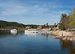 Germany, Baden-Wurttemberg, Schwarzwald, Titisee-Neustadt: health resort Titisee at Lake Titisee | Deutschland, Baden-Wuerttemberg, Schwarzwald, Titisee-Neustadt: Kurort Titisee am gleichnamigen See