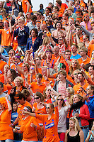 15-09-12, Netherlands, Amsterdam, Tennis, Daviscup Netherlands-Suisse, Doubles, Dutch supporters
