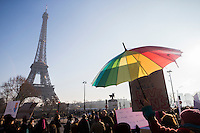 MANIFESTATION EN SOLIDARITE AVEC LES FEMMES AMERICAINES AU LENDEMAIN DE LA PRESTATION DE SERMENT DE DONALD TRUMP, LE 21 JANVIER 2017 A PARIS.